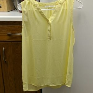 Violet and Claire Flowy Yellow Tank Medium